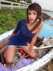 Amateur pics of sweet thai ladyboy