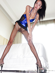 Skinny Fuck Doll Reluctant Facial