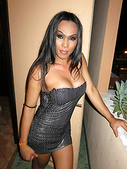 This horny tranny loves to be bottom