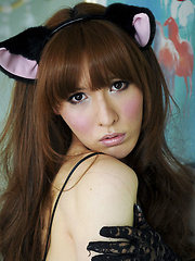 Horny pussy cat Lisa returns to us today on Shemale Japan