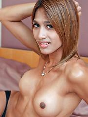 Hot tranny Yoyo jerks her ladyboy meet