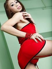 Sexy Shemale Yuri Loving Hard Cock