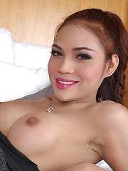 Ladyboy Masturbation with Alice