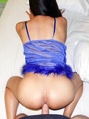Blue Babydoll Cums While Bareback