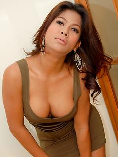 asian ladyboy porn model Vika